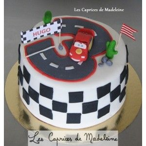 le g teau cars et le circuit de voitures cars birthday pinterest voitures. Black Bedroom Furniture Sets. Home Design Ideas
