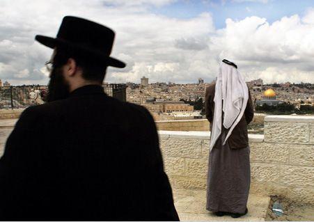 Jew.arabs Jerusalém é a capital de Israel judeu, e os judeus e árabes têm liberdade dentro do estado sionista ao contrário anywere outra parte do mundo árabe.