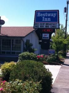 Booking.com: Bestway Inn, Grants Pass, U.S.A. - 29 Guest reviews. Book your hotel now!