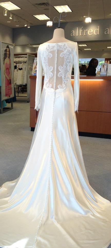 Bella 39 s wedding dress breaking dawn 1 by carolina for Bella swan wedding dress