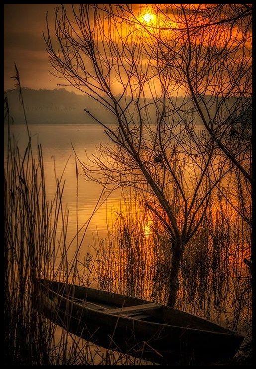 Beautiful sunset on the lake...