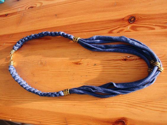 paratÍ  MACRAME é uma técnica de tecer fios que não utiliza nenhum tipo de maquinaria ou ferramenta. É uma forma de tecelagem manual.
