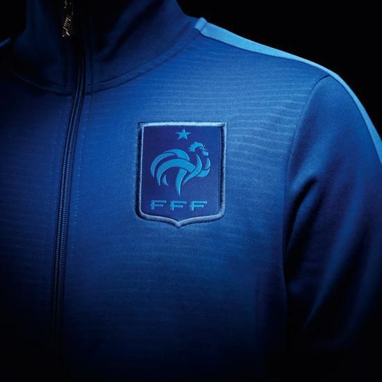 The new France home 2012/13 N-98 jacket lets you show your passion with iconic style.: