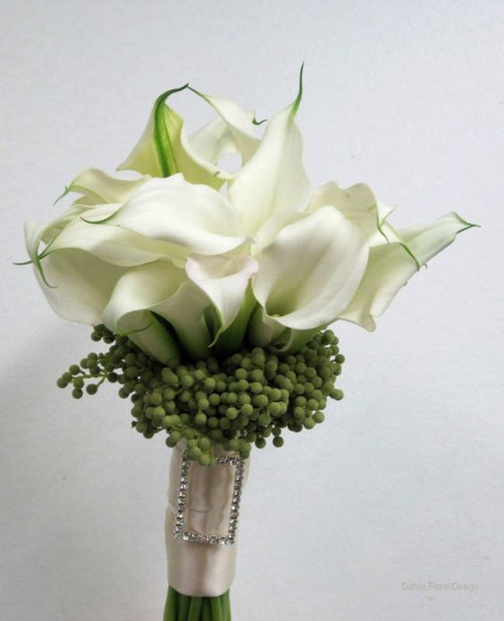 white posy calla lilies with green berries wedding flower bridal party bouquet