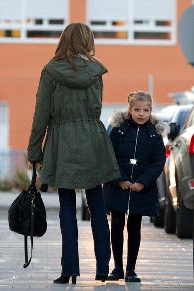 More Pics of Queen Letizia of Spain Cross Body Tote