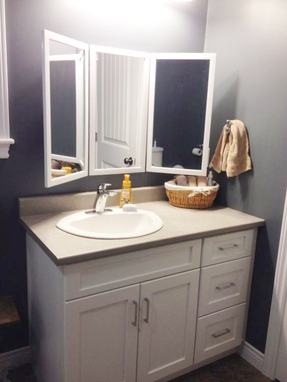 4 Different Uses For Mirrors Tri Folded Mirror Via Www Sweethings Net Mirror Cabinets Trifold Mirror Trifold Mirror Bathroom