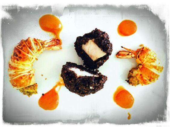 #Persico con #riso venere fritto e #gamberi al #pistacchio in #sfoglia con #crema di #peperoni.  .
