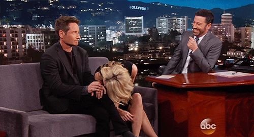 bananadome:  I don't know what's going on here, but I kind of love it. Gillian Anderson & David Duchovny on Jimmy Kimmel Live 1.12.16