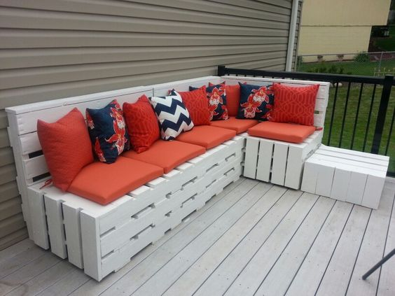 My finished Pallette sofa. I am in love.