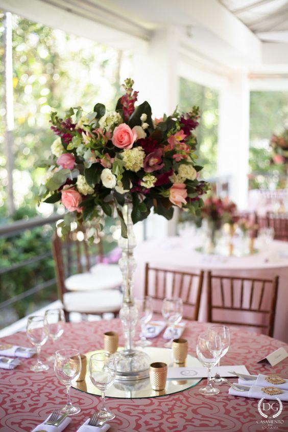 Casamento no campo: menta, rosa e dourado | 2wed.com.br  Decoração Rosa Quartz e dourado.: