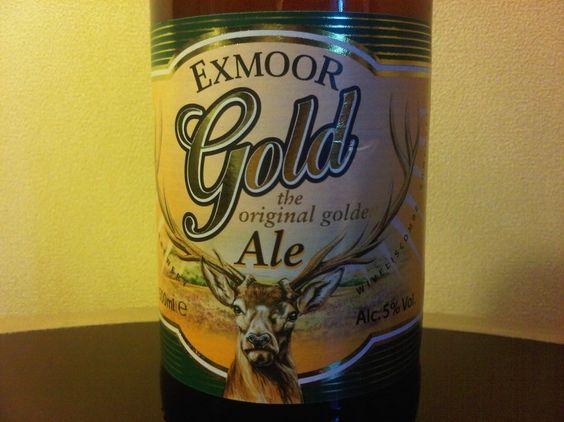 Cerveja Exmoor Gold Ale, estilo Extra Special Bitter/English Pale Ale, produzida por Exmoor Ales, Inglaterra. 5% ABV de álcool.