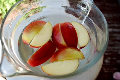 how to stop cut apples browning