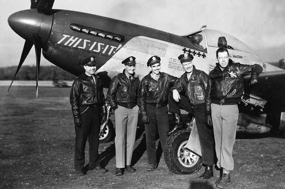 "352nd Fighter Group P-51D ""This Is It"" 44-14911 PZ-M In England 1944"
