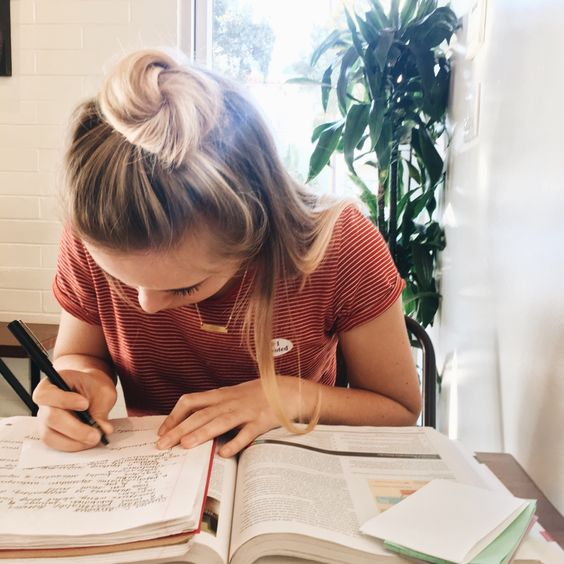 This is how to manage your time better in college!