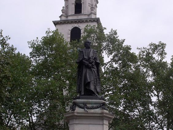 William Gladstone: Statues, W E
