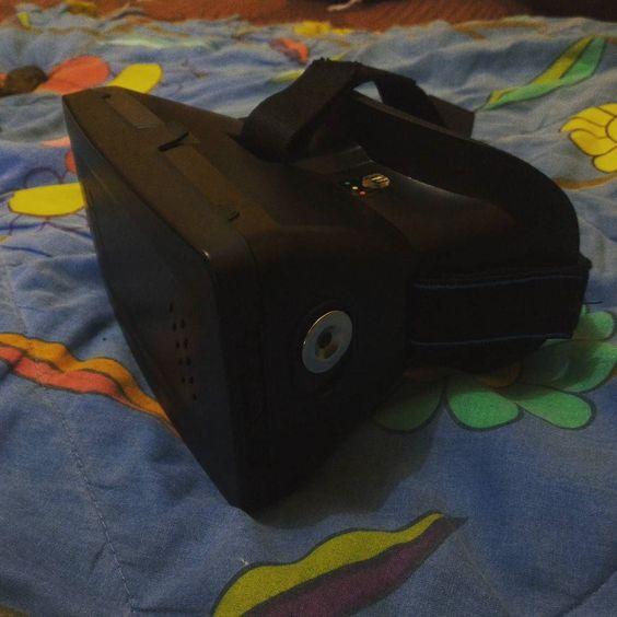 An awesome Virtual Reality pic! VR Cardboard Quite cheap for this. #cardboard #vr #virtualreality #virtualrealityworld #fun by arisena_dananjaya check us out: http://bit.ly/1KyLetq