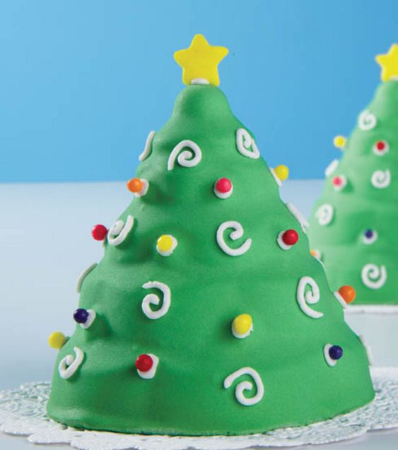 Christmas tree mini cakes from @Wilton Cake Decorating Cake