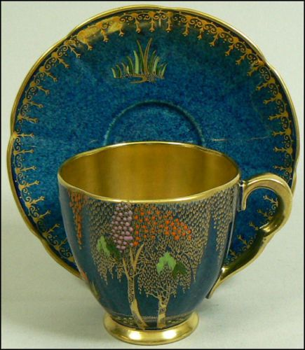 Carlton Ware Crane Design Cup & Saucer 1930's.     just beautiful. Drinking coffee out of that would be sublime.