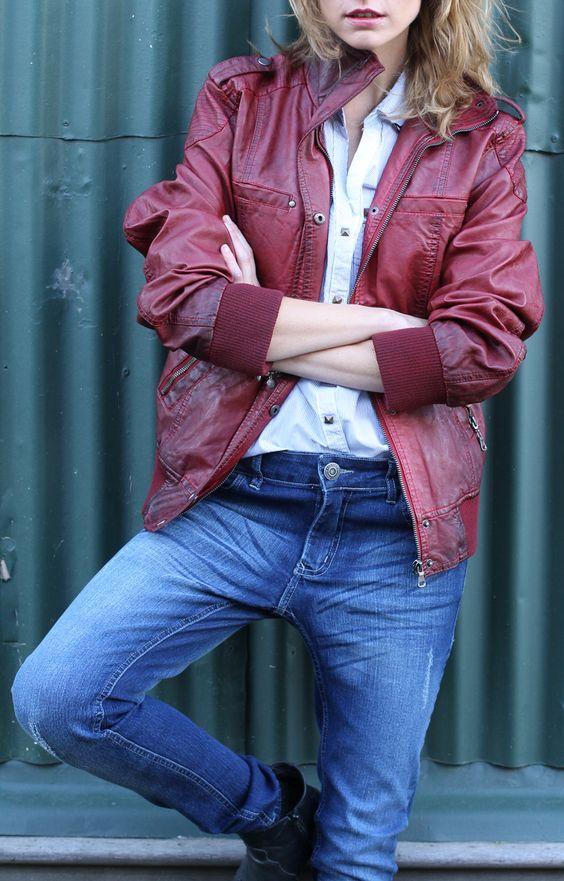 #Looks descontracturados! Apostá por un boyfriend #jean y una #chaqueta de cuero.  #Temporada #Otoño #invierno 2015