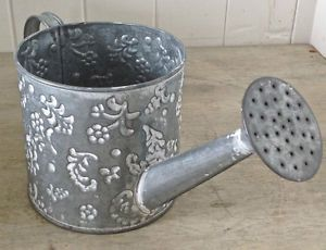 Arrosoir en fer galvanisé