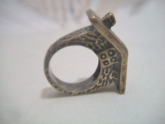 Bronze Tone House Ring Size 6 5