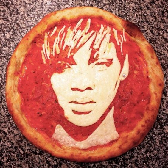 Pizza Art, Rihanna