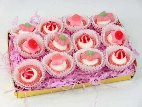 Cup cakes de golosinas chuches decoraci n pinterest for Pinchos de gominolas