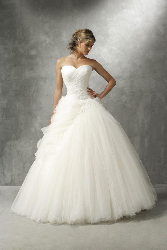 les robes de mariee classiques empires princesses