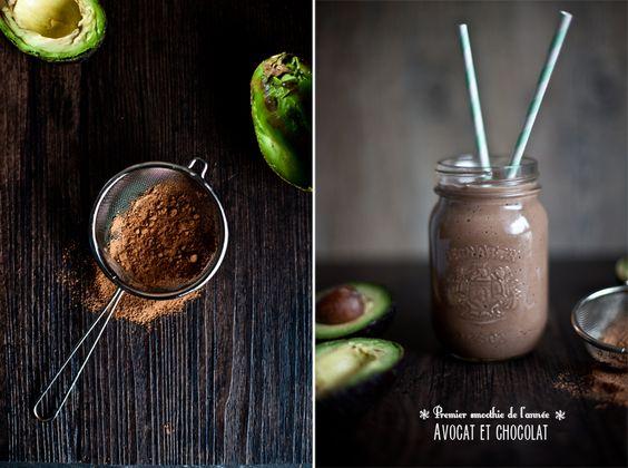 SMOOTHIE À L'AVOCAT ET AU CHOCOLAT  PRODUIT: 2 verres environPRÉPARATION: 10 mins INGRÉDIENTS 1 ou 2 avocat(s) bien mûr(s) 200ml de lait végétal (amande, soya...) 2 cuillères à soupe de poudre de cacao 4 cuillères à soupe de miel