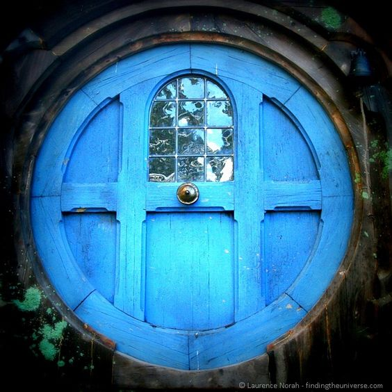 Round Hobbit door