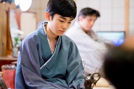 何かに集中する八代目市川染五郎のかっこいい画像