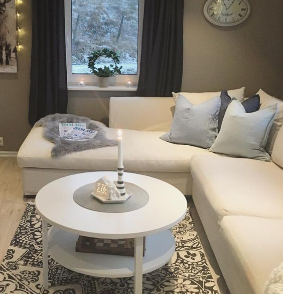 The white skibby coffee table is a great centre piece in for Sofa table jysk