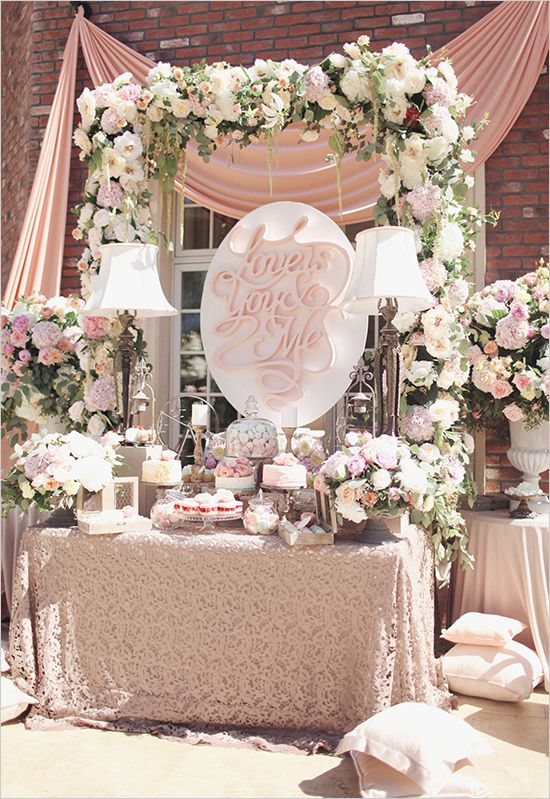 Glamorous garden rose wedding tables candy bars and flower - Table jardin rose toulon ...