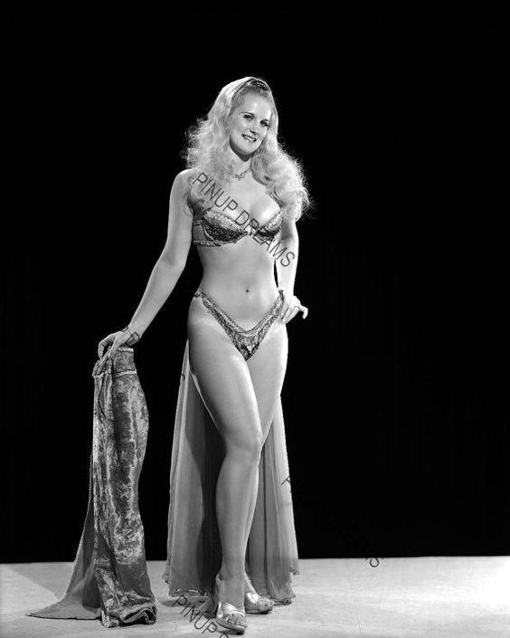 burlesque body base - Google-søk