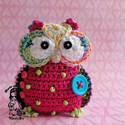 Another fabulous design from Vendula Maderska: Owl pendant pattern