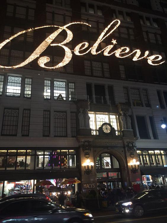 """""""Acredite""""! Palavra mágica, indispensável para a realização de qualquer sonho e conquista de qualquer objetivo! Acredite primeiro em você, no seu potencial, na sua beleza interior e exterior mesmo quando estiver descabelado, acredite que com trabalho e determinação você pode chegar onde quiser, acredite no impossível porque um dia você vai acordar e ver que era possível. Por acreditar nos meus próprios devaneios que agora escrevo esta mensagem na calçada da rua 34, em frente à Macy's em NY!❤"""