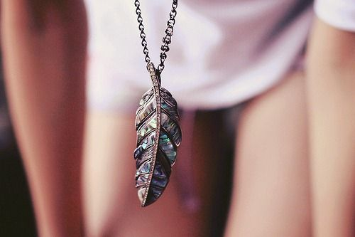 feather neckless