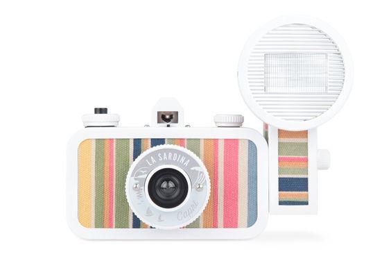 Camera / Lomography {so cute love the colors}