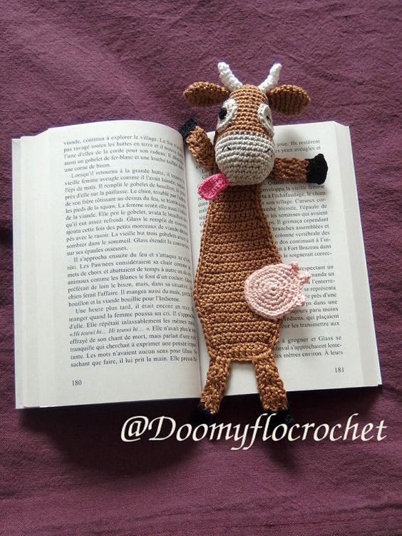 Vache rigolote en marque pages au crochet par Doomyflocrochet