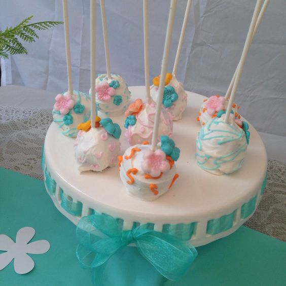 Cake pop flowers theme
