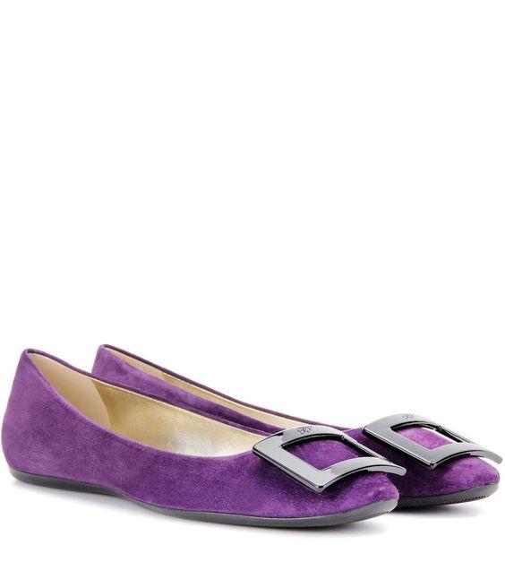 ROGER VIVIER Gommette Suede Ballerinas. #rogervivier #shoes #flats