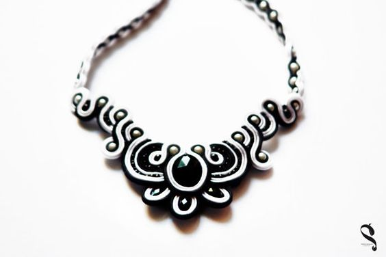 Necklace soutache white black