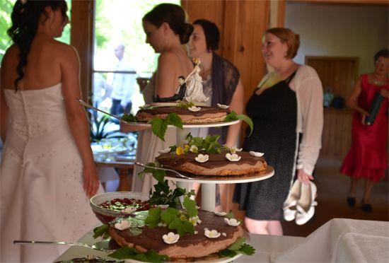 seriously cool wedding cake!