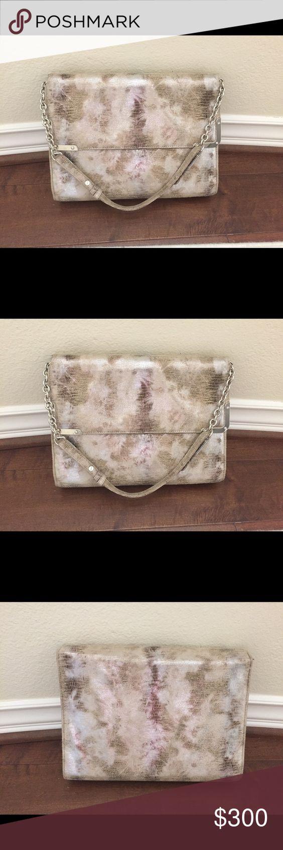 Cream/metallic purse😍 Like new! Worn once! Bags Clutches & Wristlets