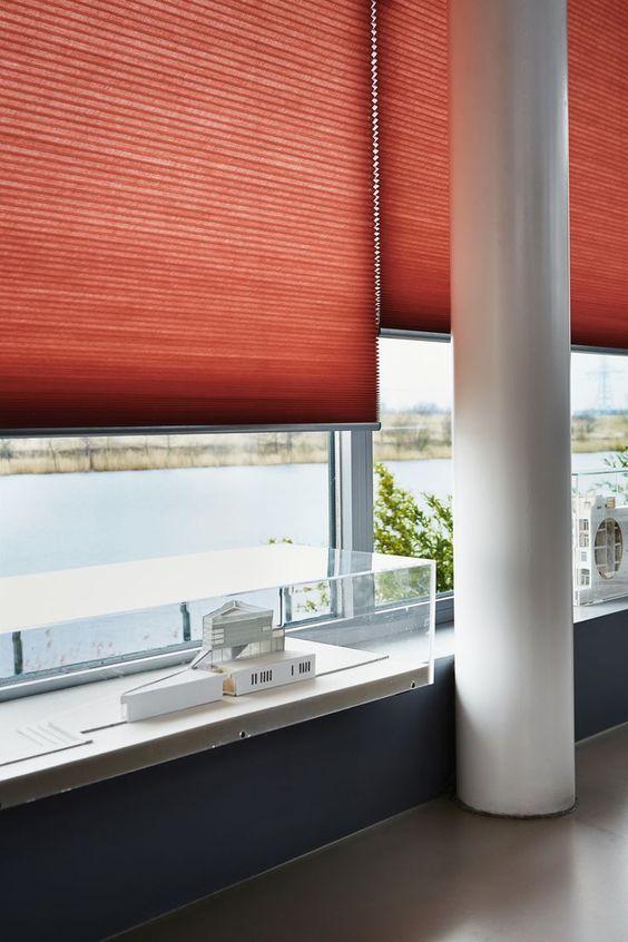 Dyb orange skala. Smarte gardiner til et smart rum. Luxaflex ...
