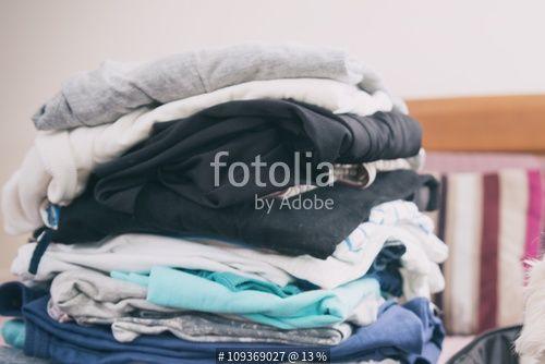 """""""Dog sitting in the suitcase"""" Stockfotos und lizenzfreie Bilder auf Fotolia.com…"""