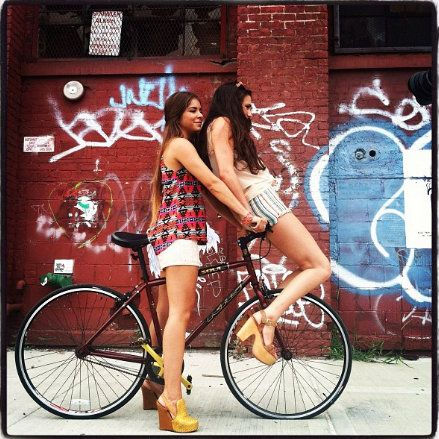 Behind the scenes of our video #lookbook shoot in #Williamsburg #Brooklyn #nyc #fashion #style #bike #editorial #photoshoot #models #streetstyle