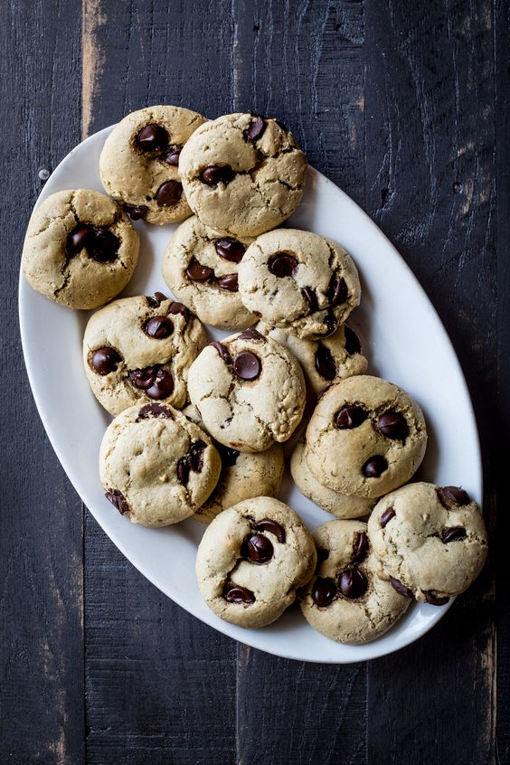 Chocolate Chip and Fennel Seed Olive Oil Cookies: