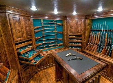 traditional-masculine-wood-gun-room