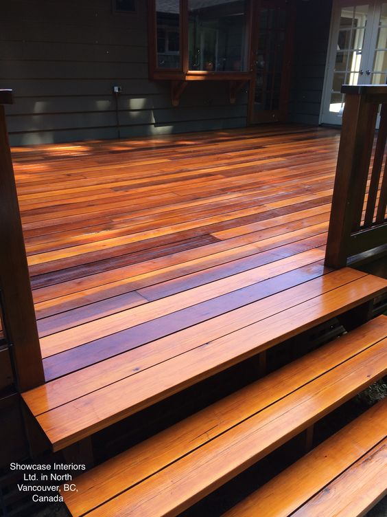 Custom Clear Cedar Deck Sikkens SRD Natural Oak Two Coats Showcas